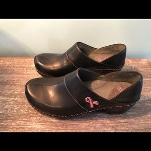 Dansko 39 breast cancer symbol mules